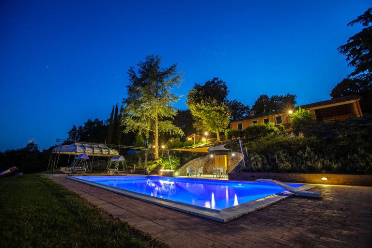 villa-alta-esterno-notte